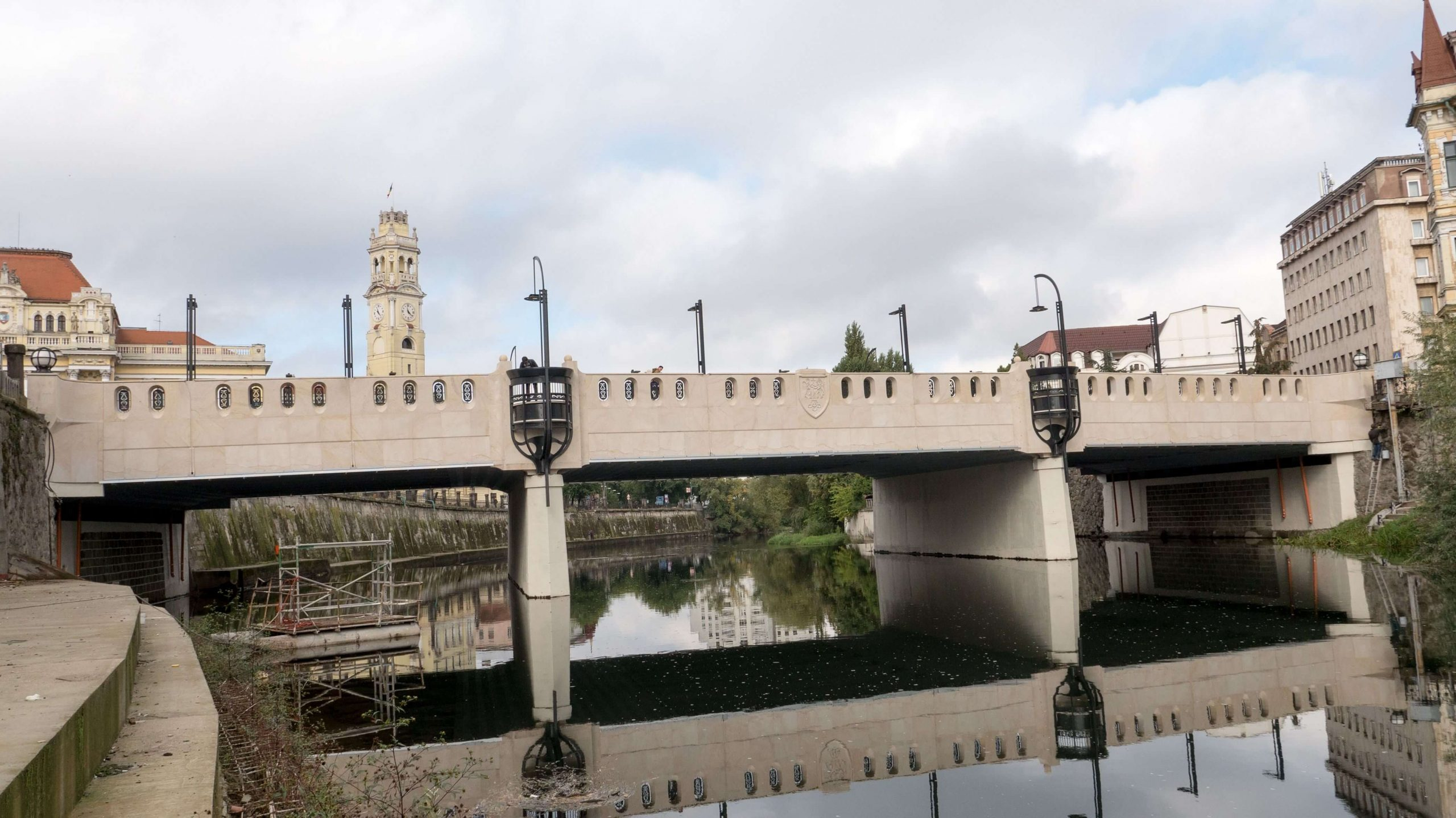 Most ve městě Oradea